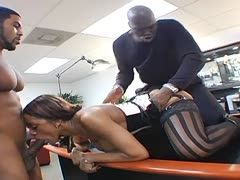 Geiler Bürodreier mit Lexington Steele und Ayana Angel