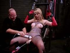Blonde is tied to the fuck machine
