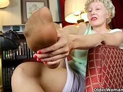 Hot grandmothers look for submissive feet lickers